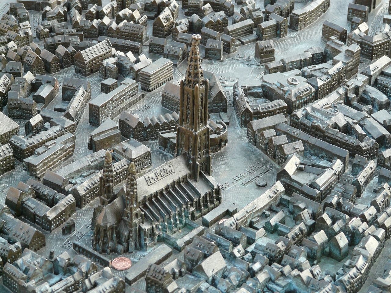 relief map ulm cathedral free picture