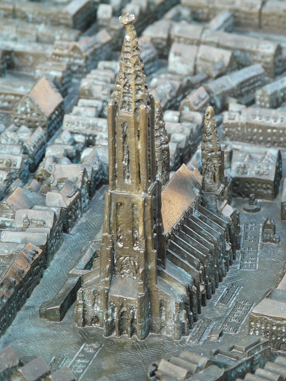 relief map ulm cathedral free photo