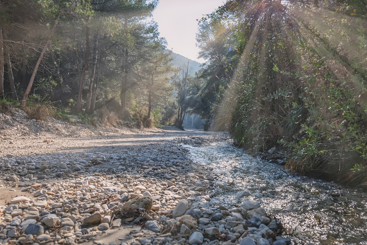 river bed, sun rays, spain, rio chiller, rays, sky, landscape,free pictures, free photos, free images, royalty free, free illustrations, public domain