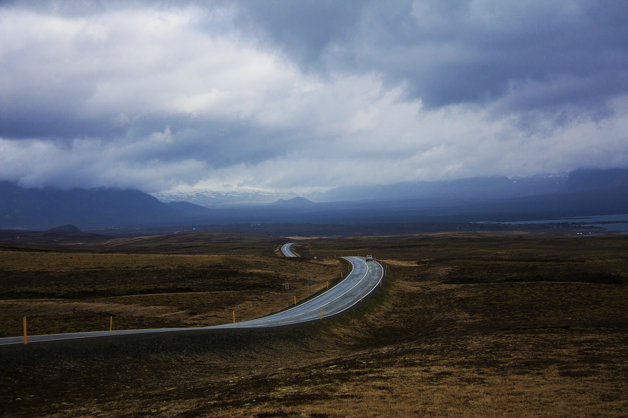 road,iceland,horizon,infinite,cloud,freedom,free pictures, free photos, free images, royalty free, free illustrations, public domain