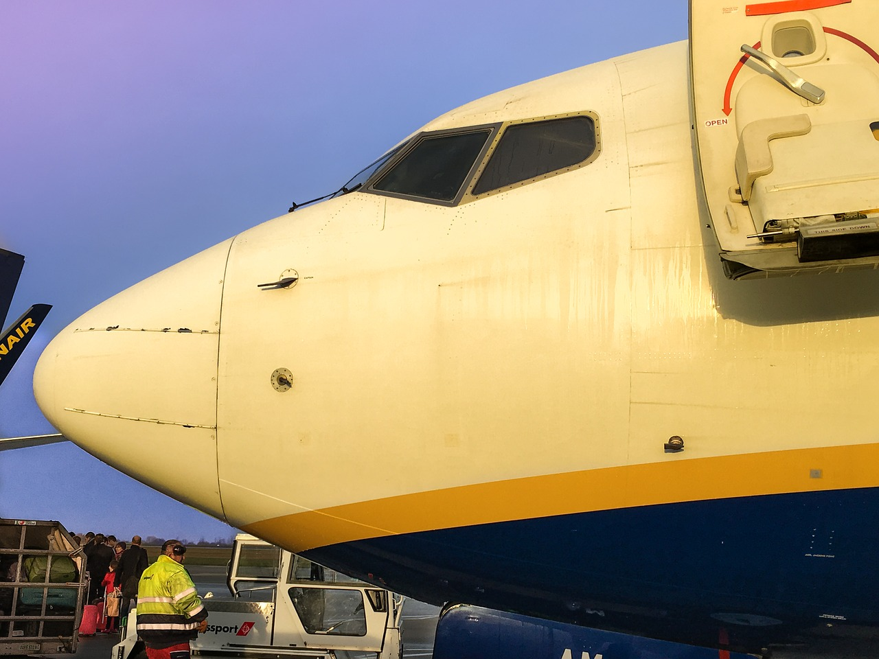 ryanair boeing london stansted free photo