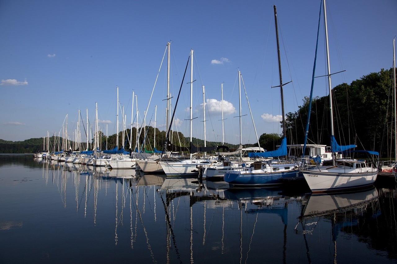 sailboats lake vessels free photo