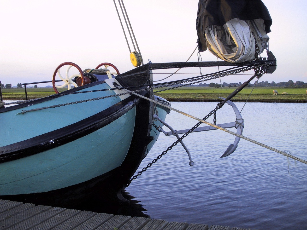 sailing boat bug rigging free photo