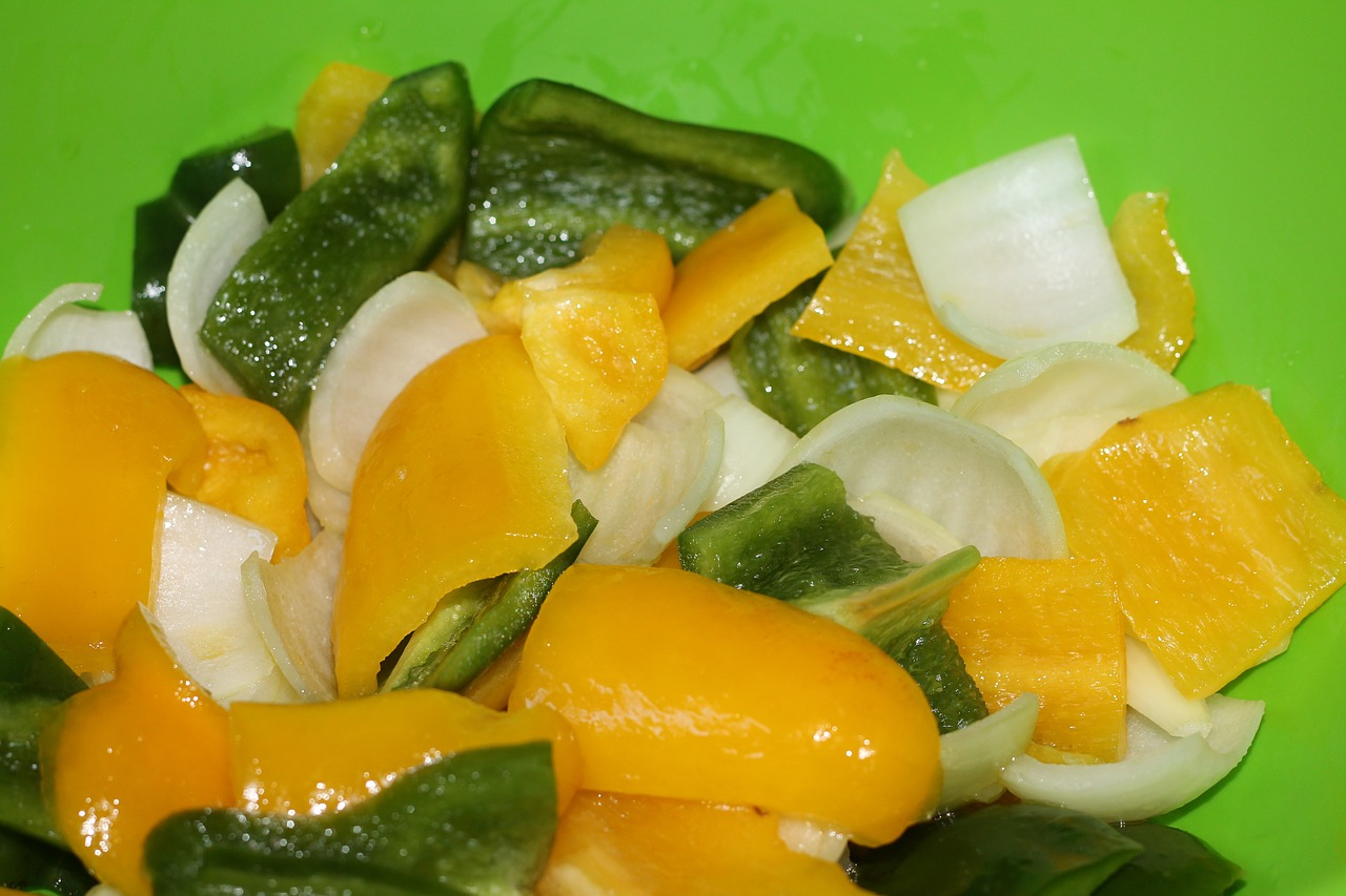 salad yellow pepper green free picture
