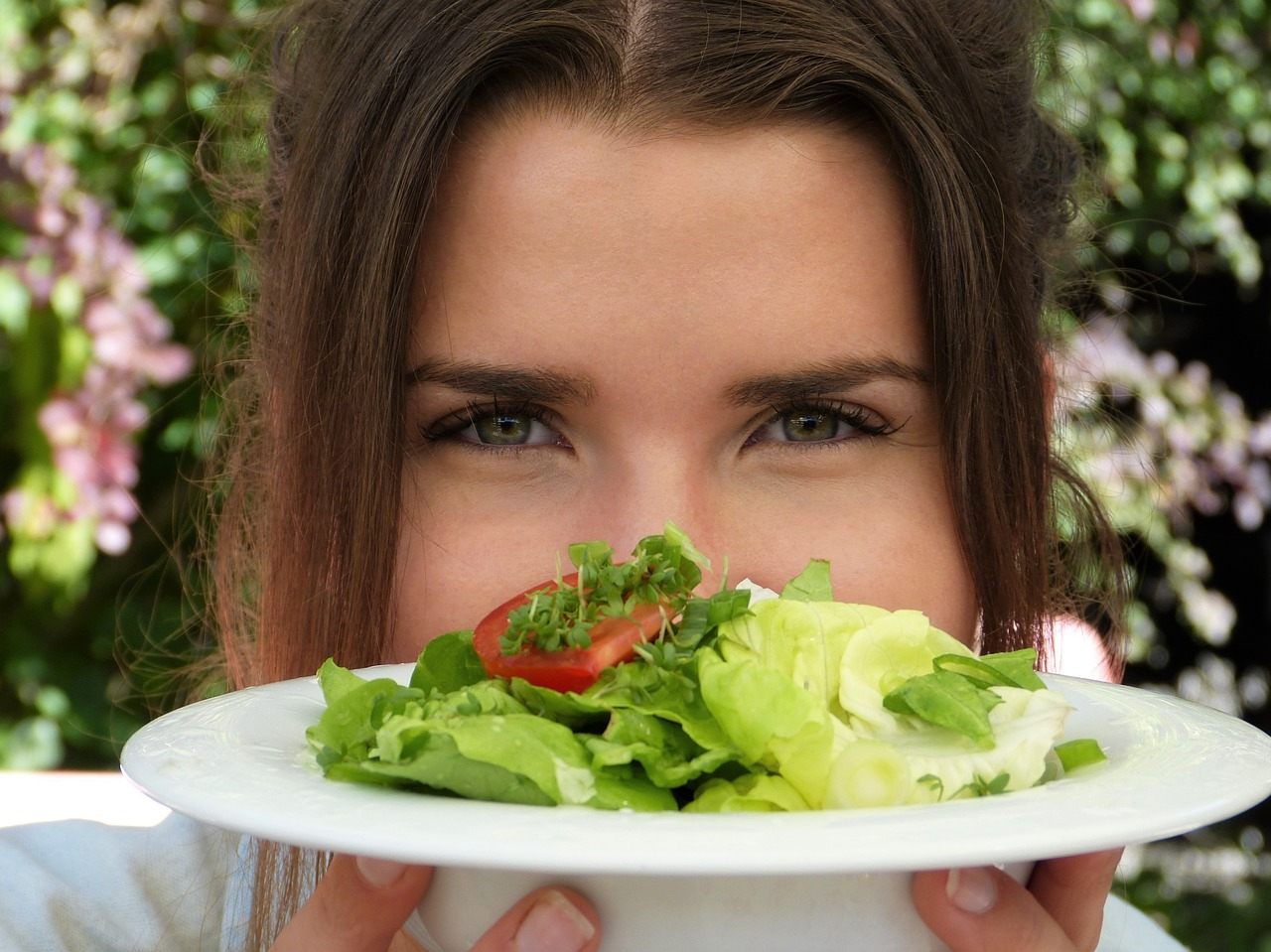 Salad, plate, girl, young woman, eyes - free image from needpix.com