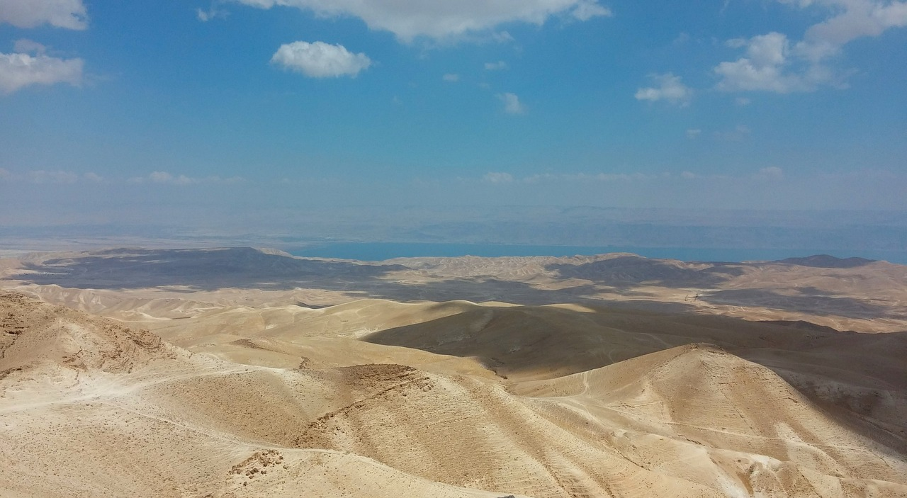 sand,desert,judaean desert,israel,scenery,hills,sky,wilderness,free pictures, free photos, free images, royalty free, free illustrations, public domain