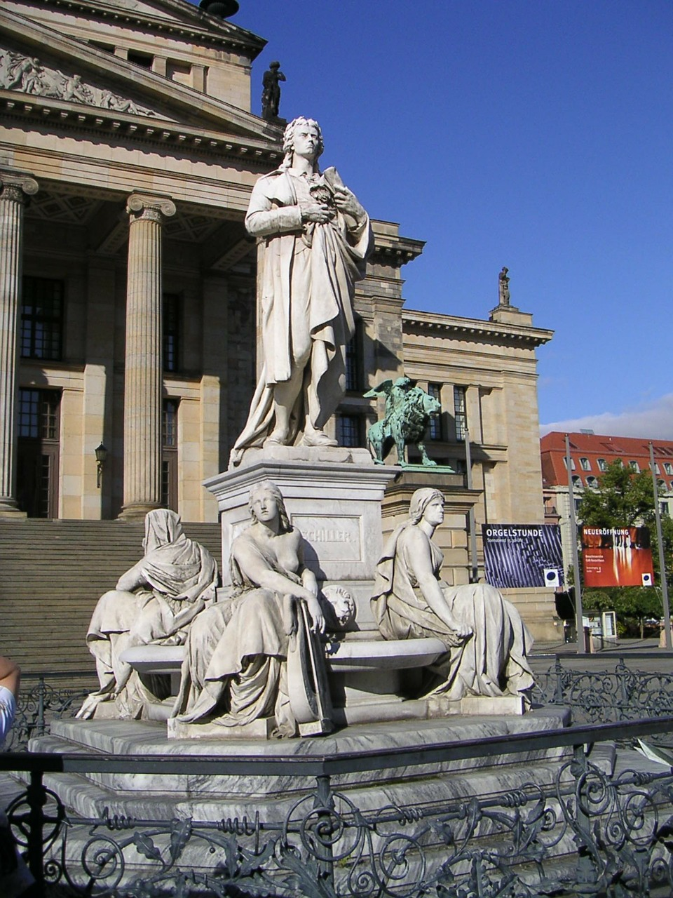 schauspielhaus monument to schiller gendarmenmarkt free photo