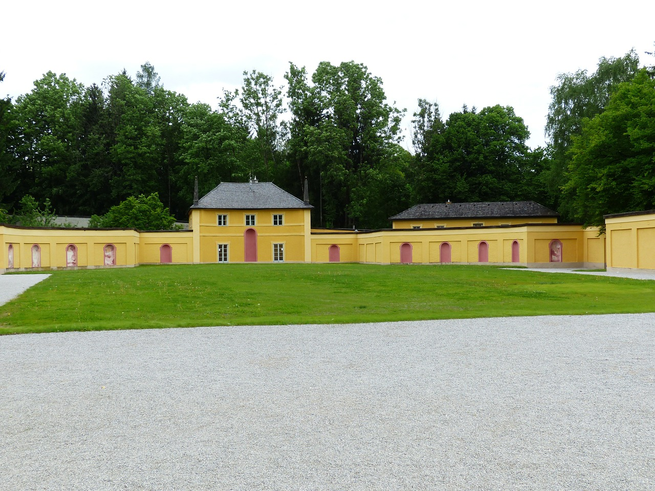 schloss hellbrunn hellbrunn castle free photo