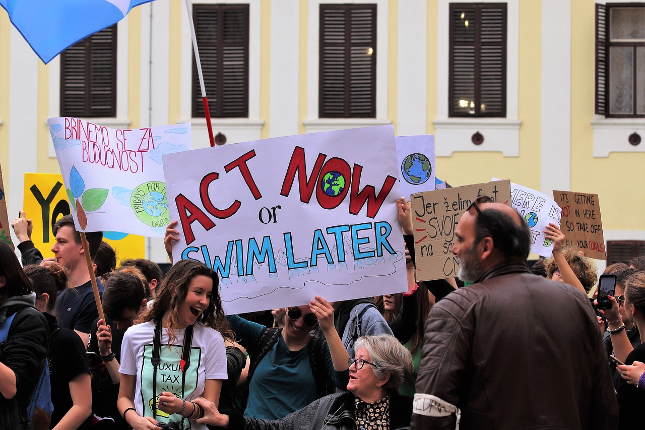 school strike 4 climate  demonstrations  zagreb free photo