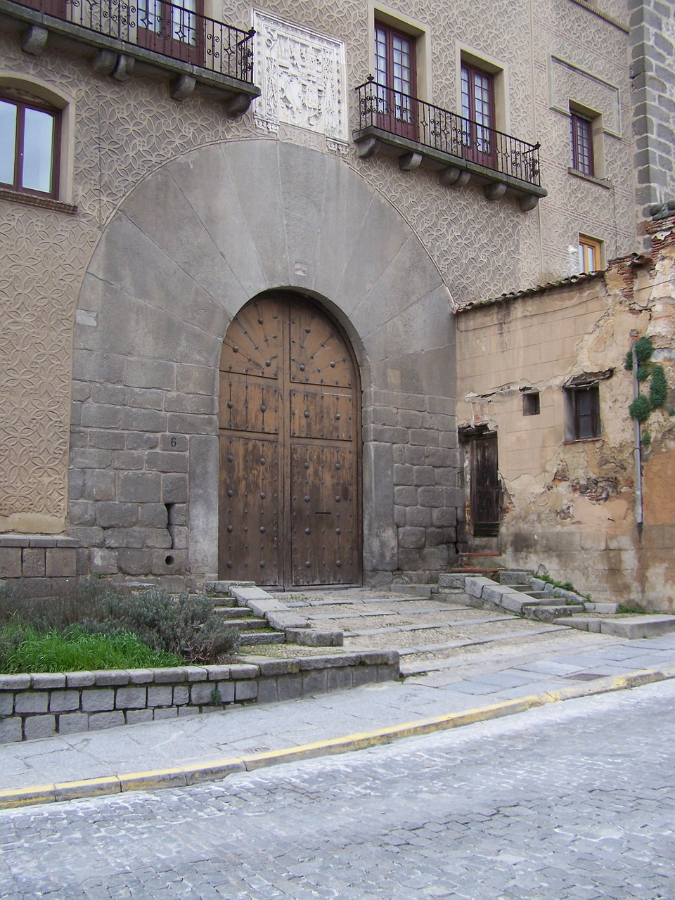 segovia doorway house free photo