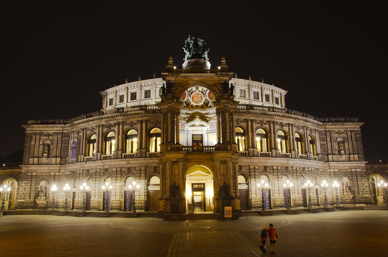 semperoper,dresden,night,germany,history,free pictures, free photos, free images, royalty free, free illustrations