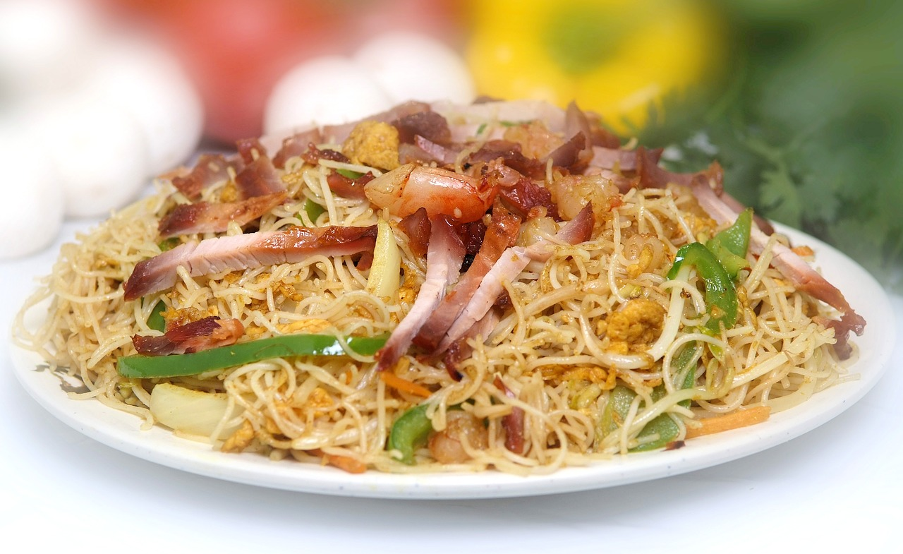 singapore vermicelli  yummy  asian dish free photo