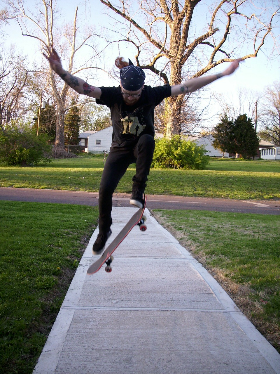 skateboarding skateboarder sidewalk free photo