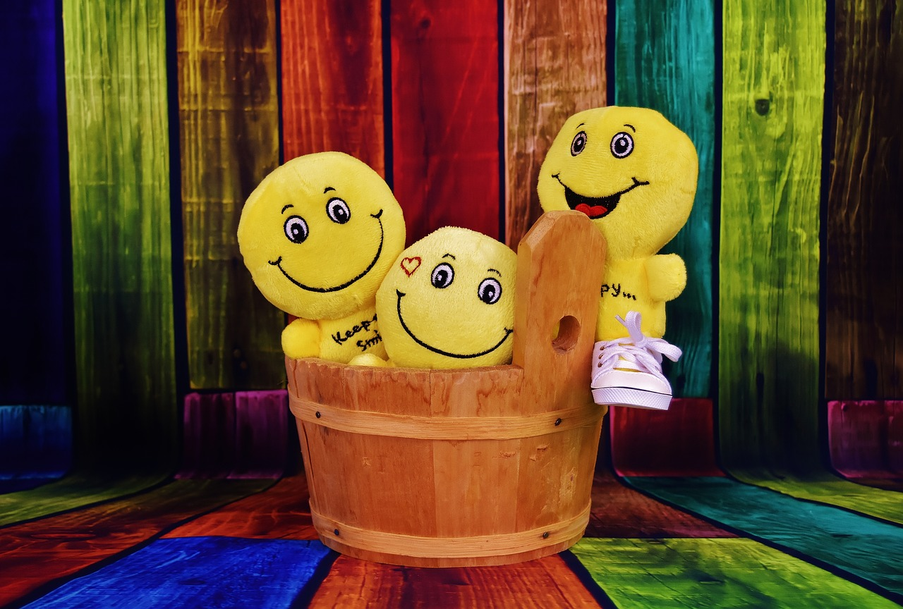 smilies funny wooden tub free photo