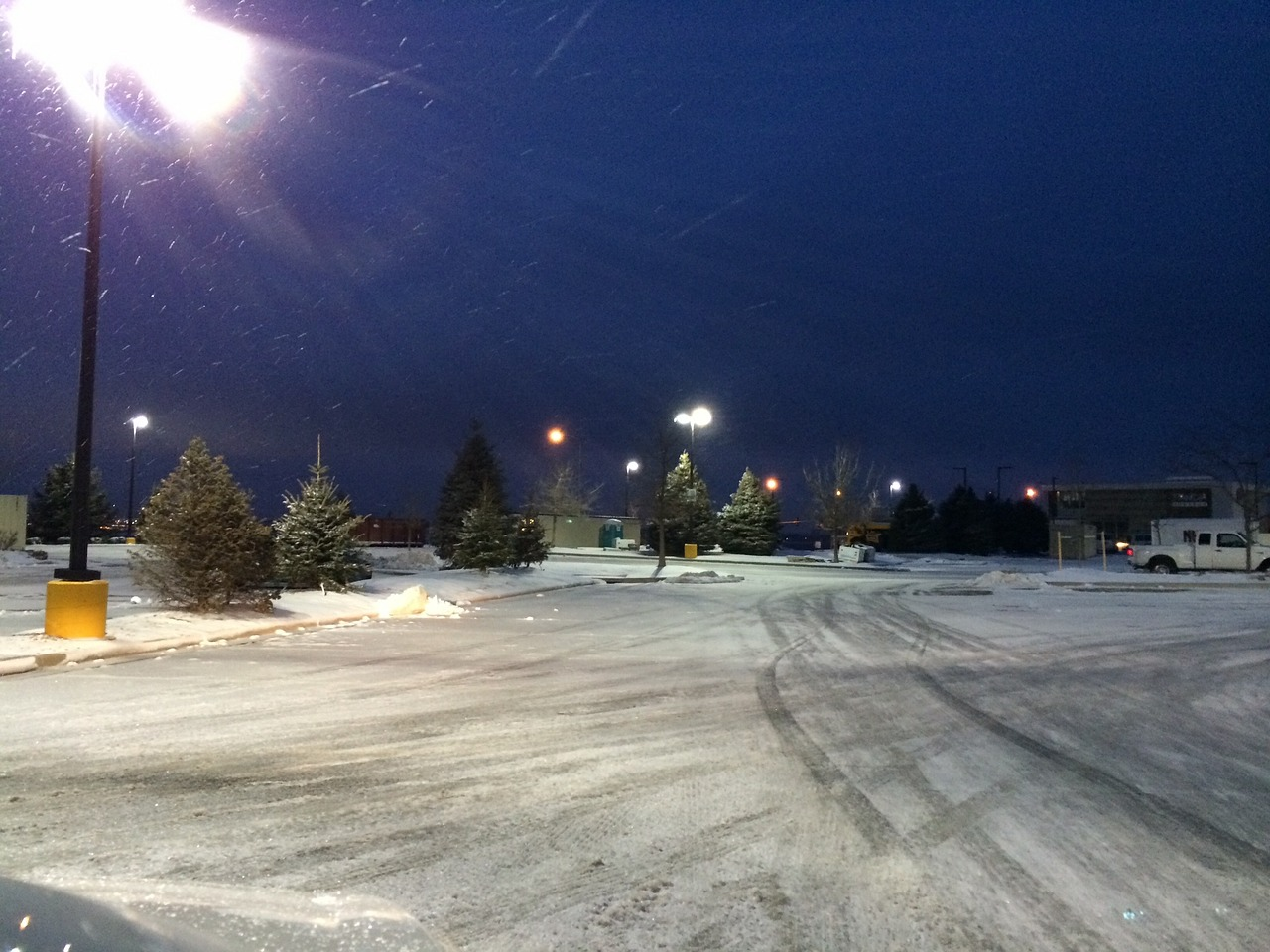 snow,snowy,night,colorado,street,winter,cold,frost,snowfall,weather,outdoor,seasonal,snowstorm,frozen,free pictures, free photos, free images, royalty free, free illustrations, public domain