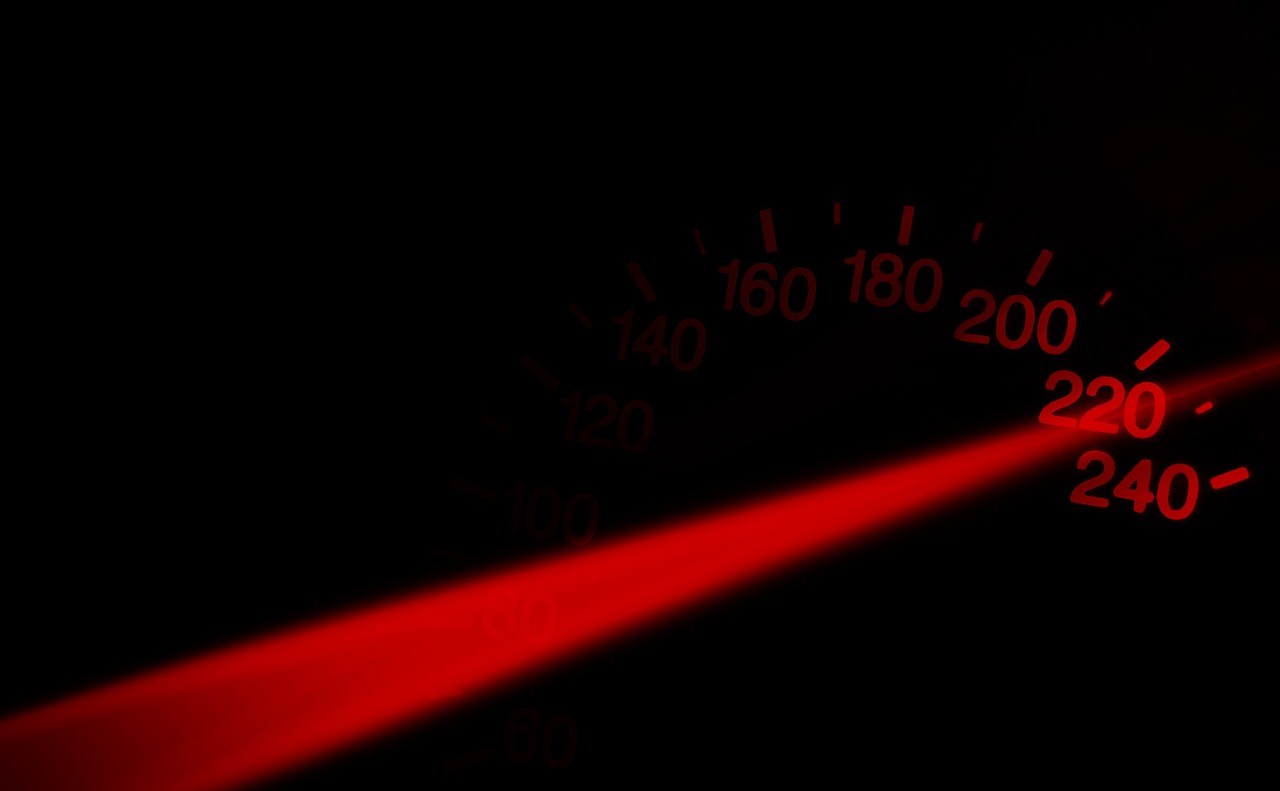speedometer,speedo,rush,vollgas,to give gas,bleifuss,aggression,speed,kilometer display,mileage,drive,ad,free pictures, free photos, free images, royalty free, free illustrations, public domain
