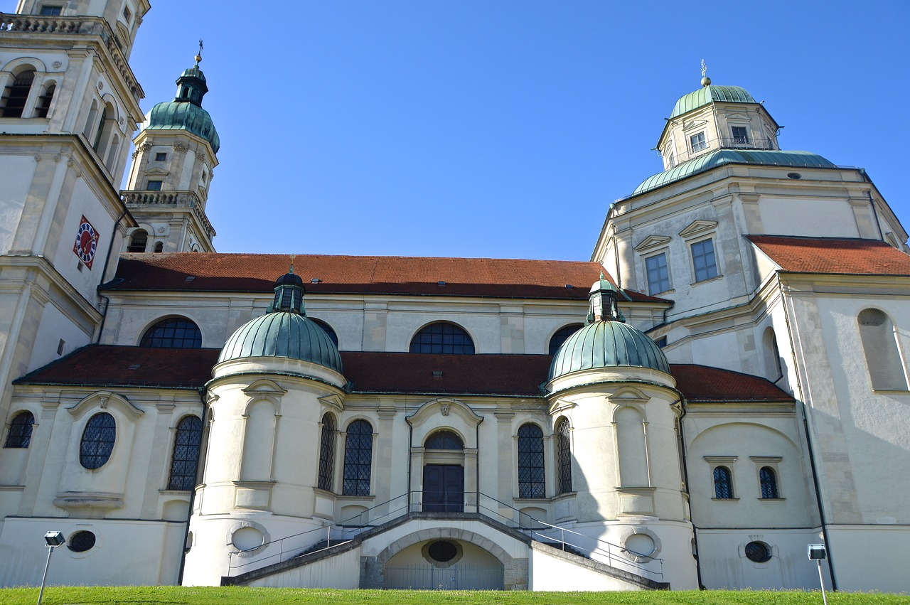 architecture,st lorenz basilica,kempten,basilica,church,kirchplatz,baroque,double tower,spires,residence,free pictures, free photos, free images, royalty free, free illustrations, public domain