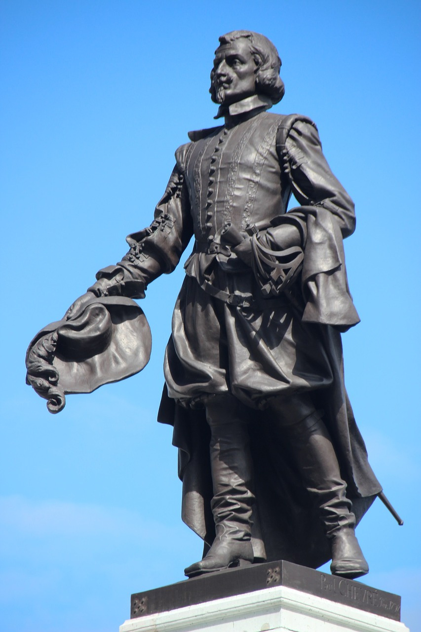 samuel de champlain quebec founder statue free photo