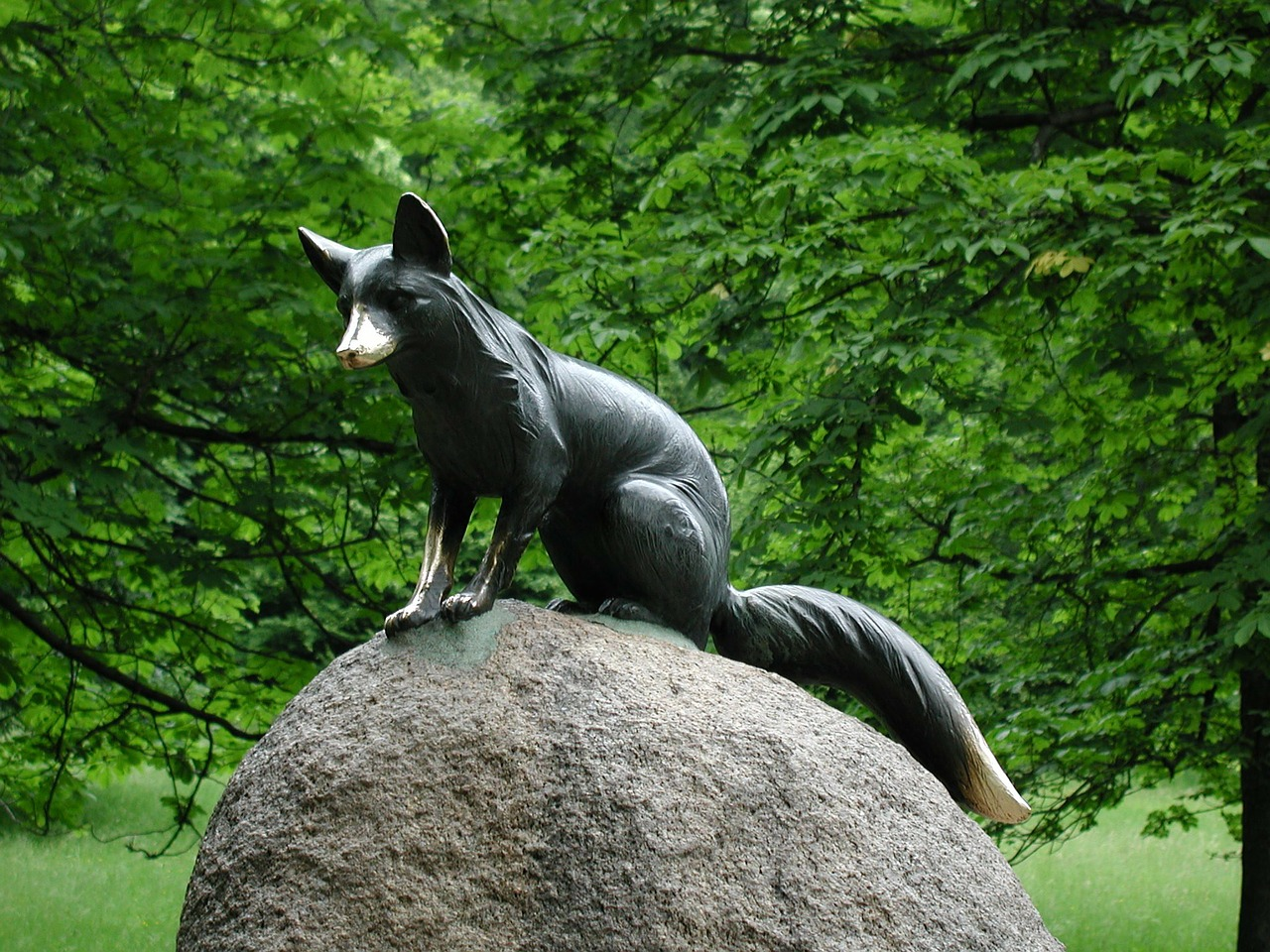 statue fuchs sculpture free photo