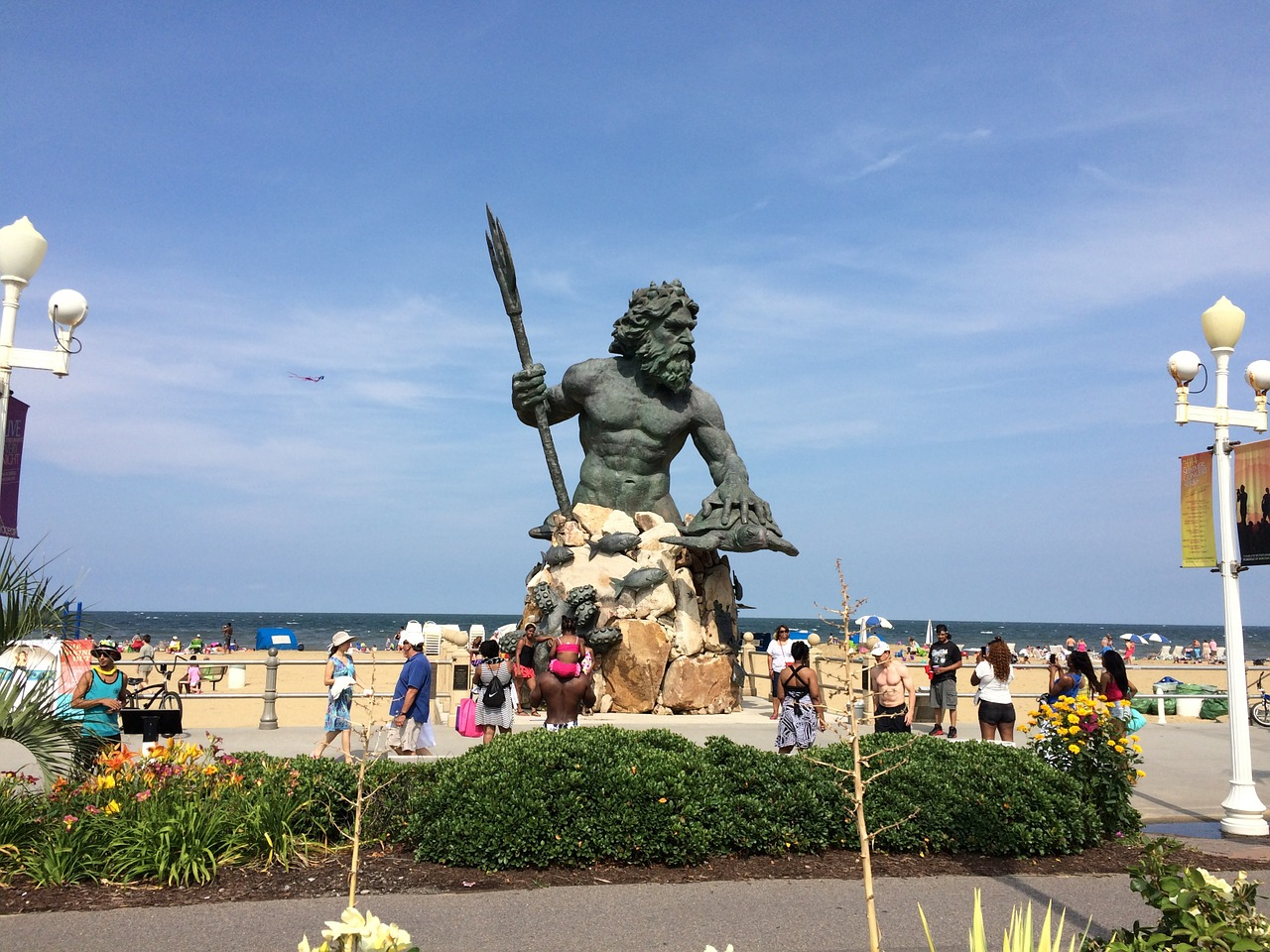 statue,virginia beach,monument,neptune,tourists,sea walk,beach,sea,summer,free pictures, free photos, free images, royalty free, free illustrations