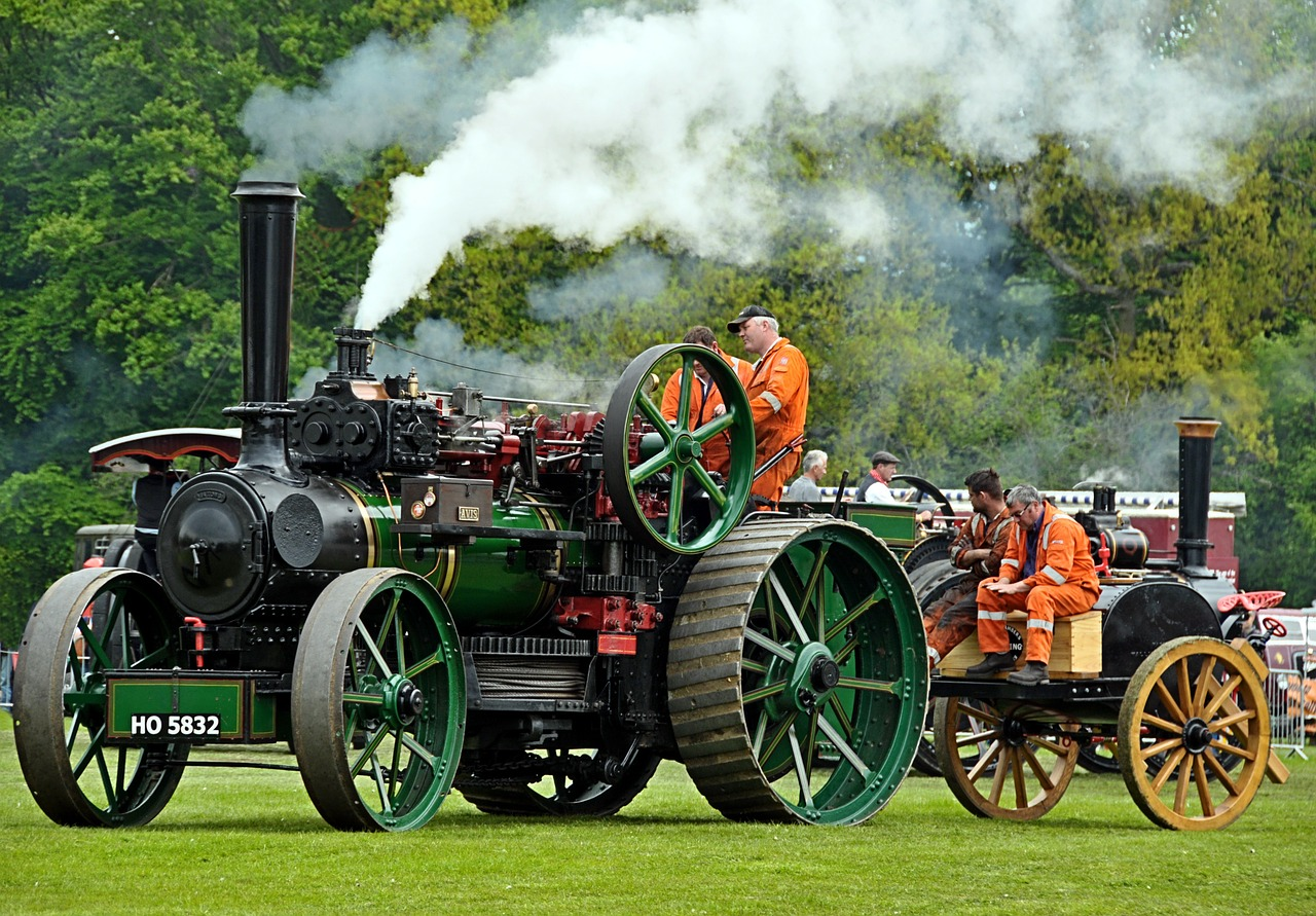 steam traction engine free photo