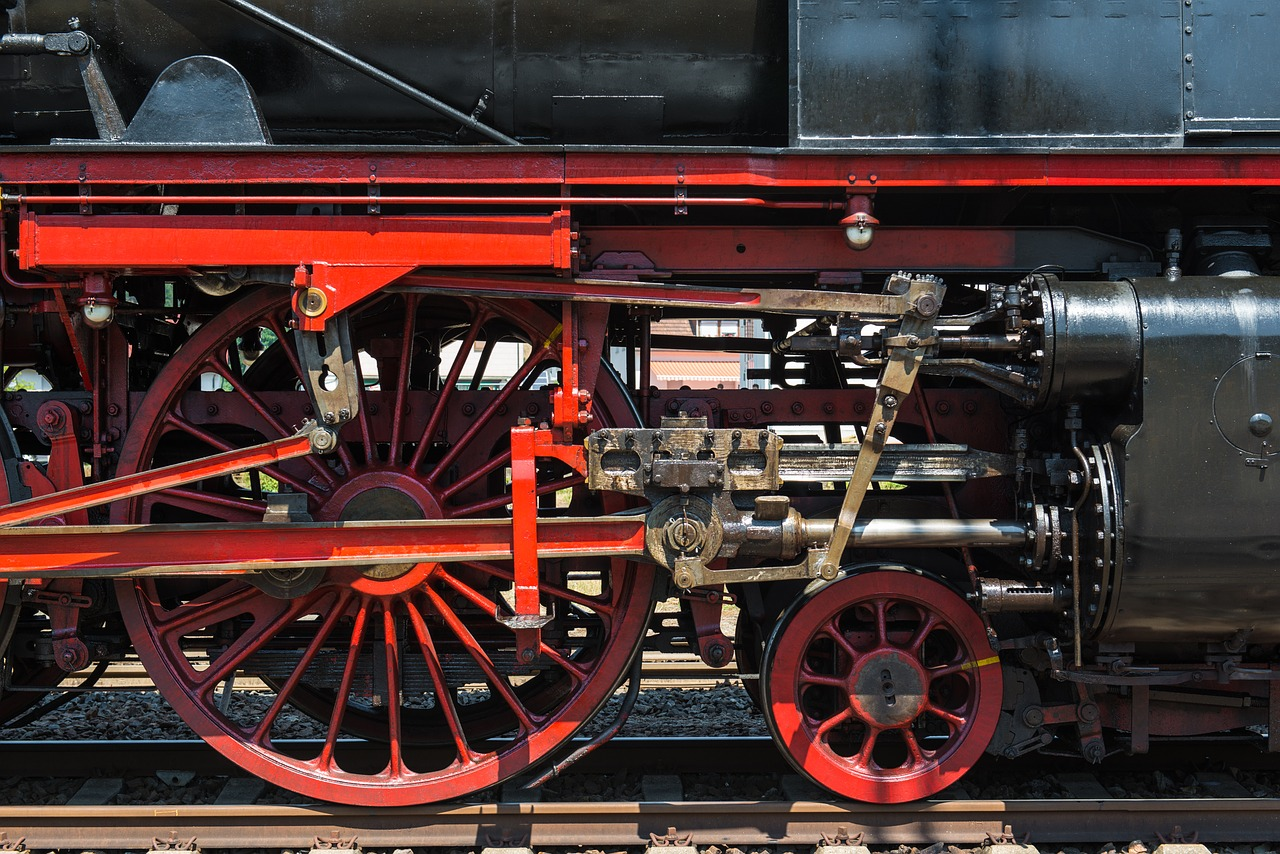 steam locomotive connecting rods wheels free photo