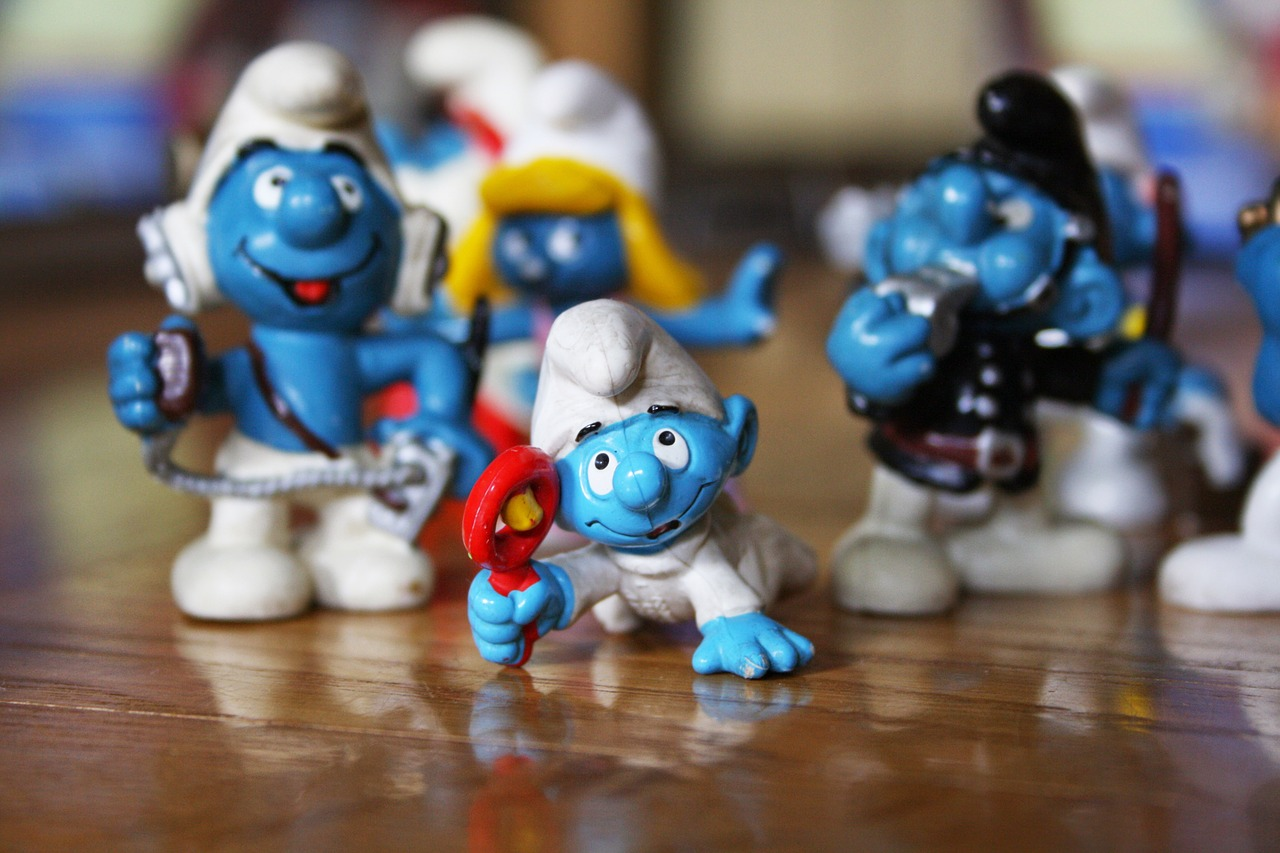 stinks,game,baby smurf,newborn,free pictures, free photos, free images, royalty free, free illustrations, public domain