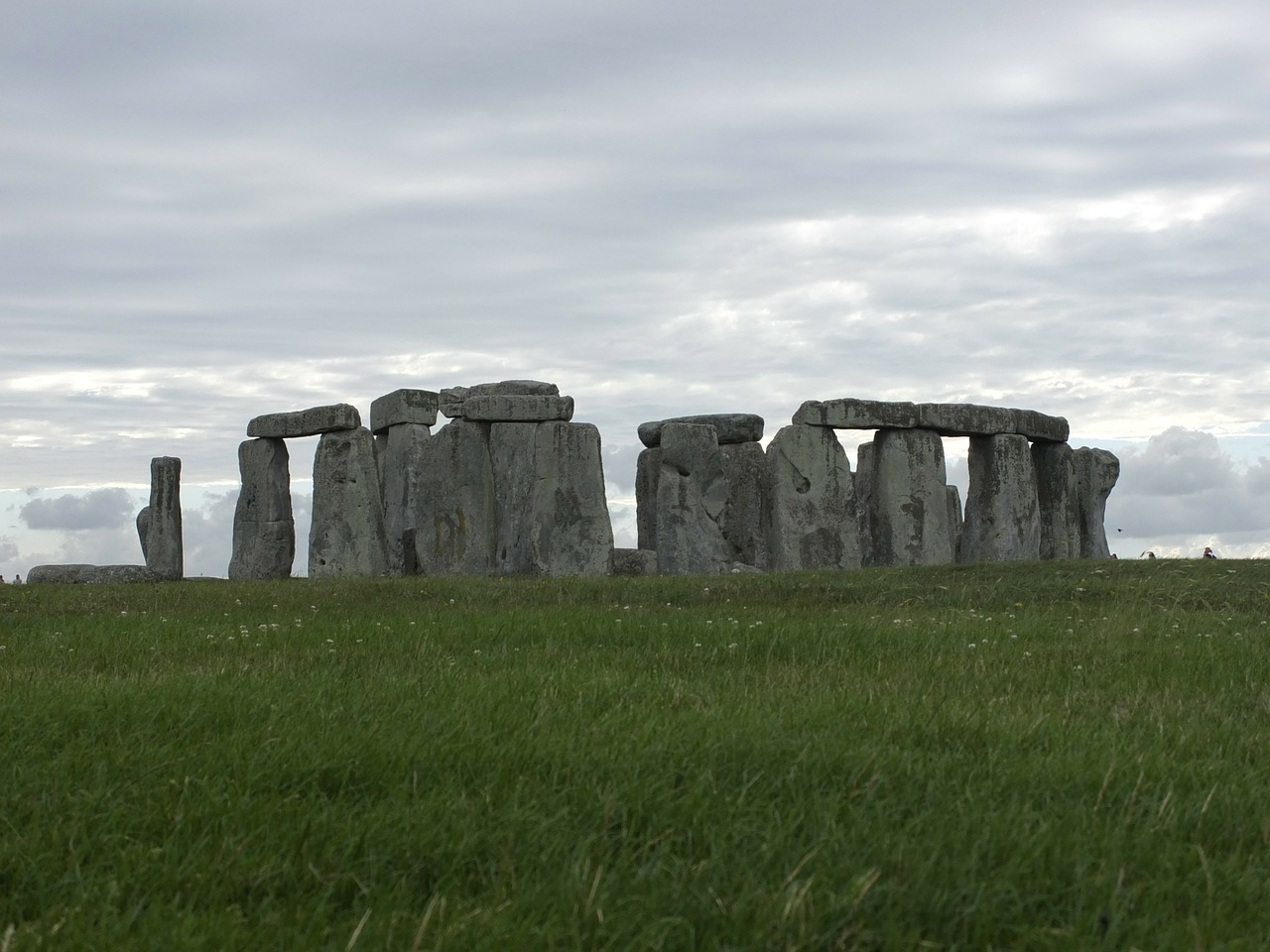 stonehenge meadow england free photo