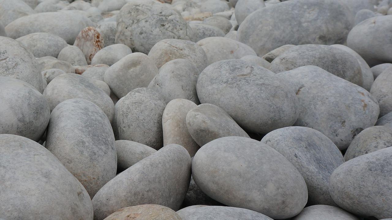 белый камень в картинках много много еды