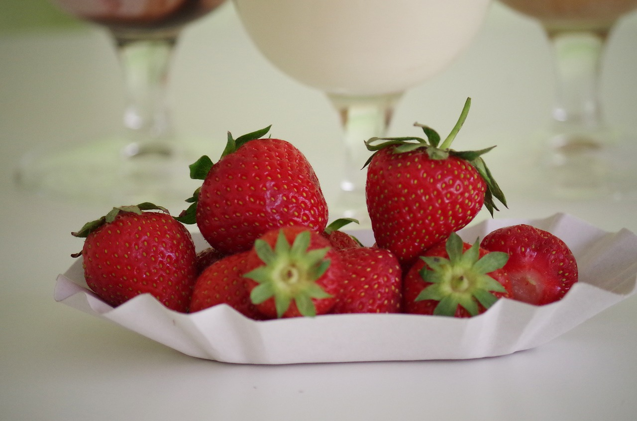 strawberries fruit healthy free photo