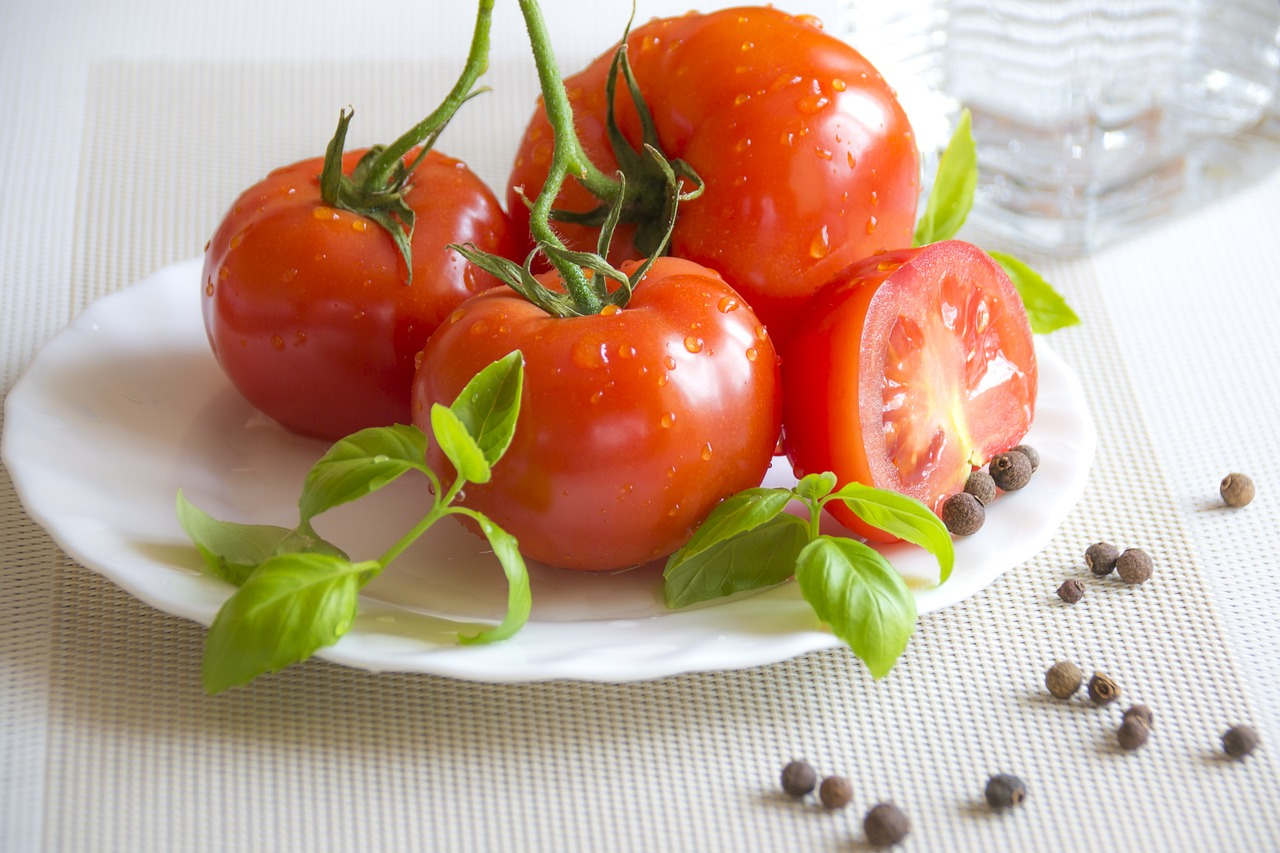 summer food healthy appetizer red tomatoes free photo