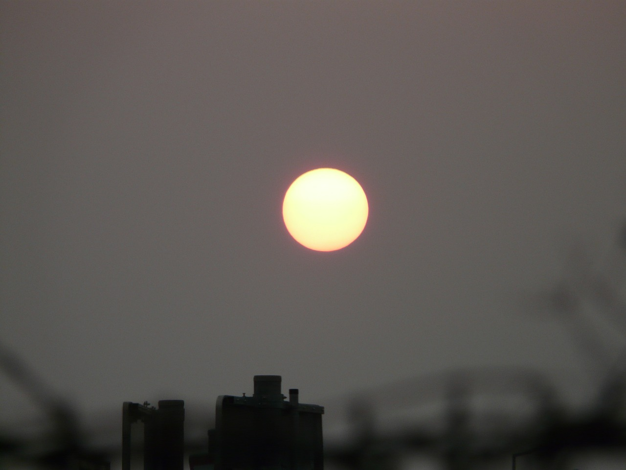 sun pale gloomy free photo