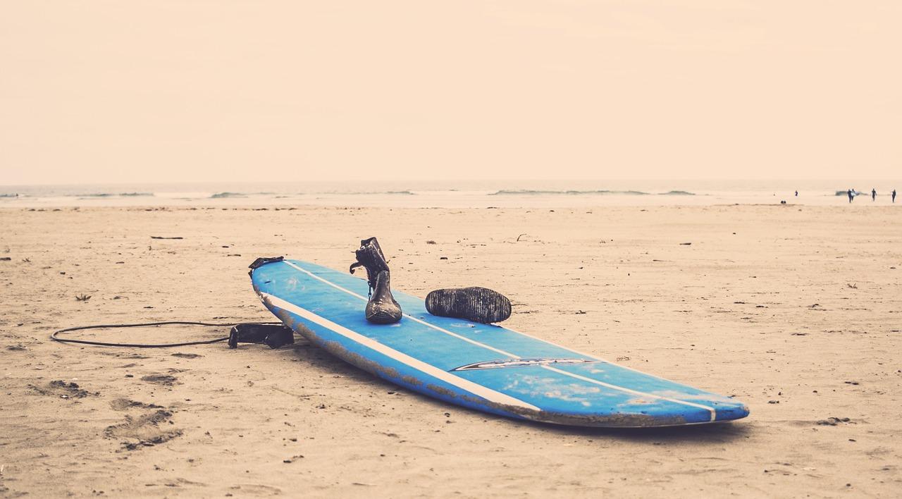 Surfboard,beach,sand,ocean,sea - free image from needpix.com