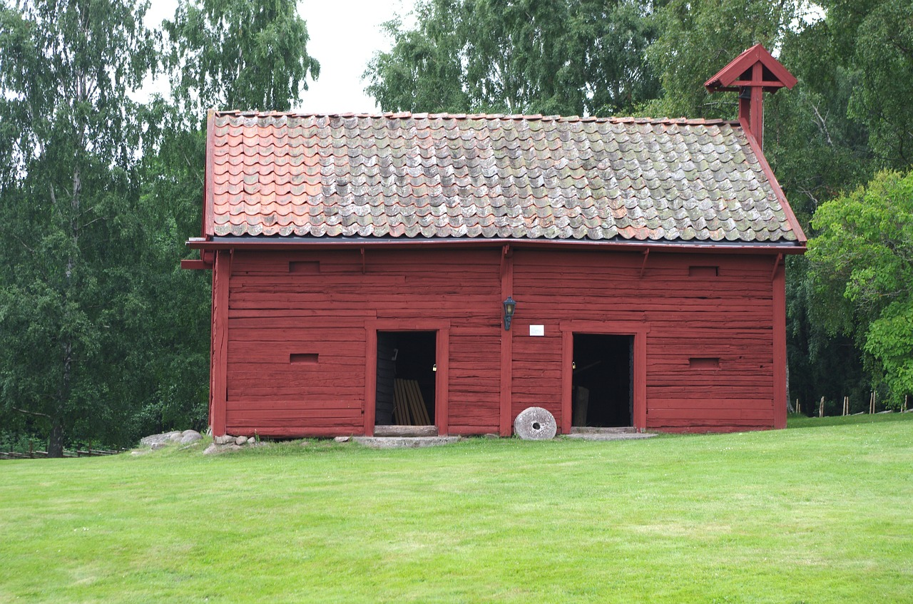 sweden barn farm free photo