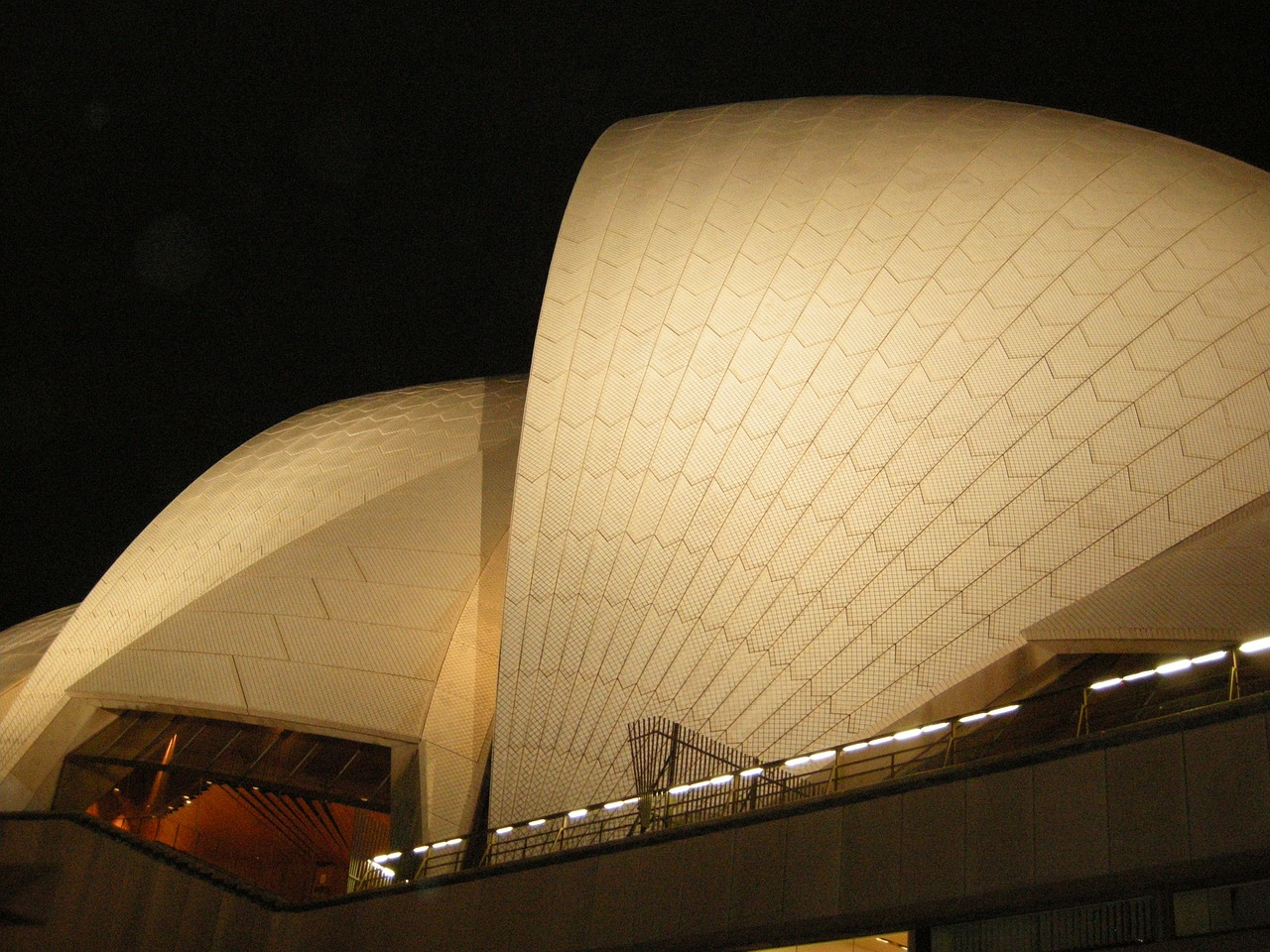 sydney opera house building architecture free photo