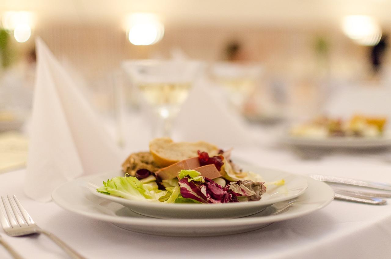 Table,food,wedding,plate,restaurant - free image from needpix.com