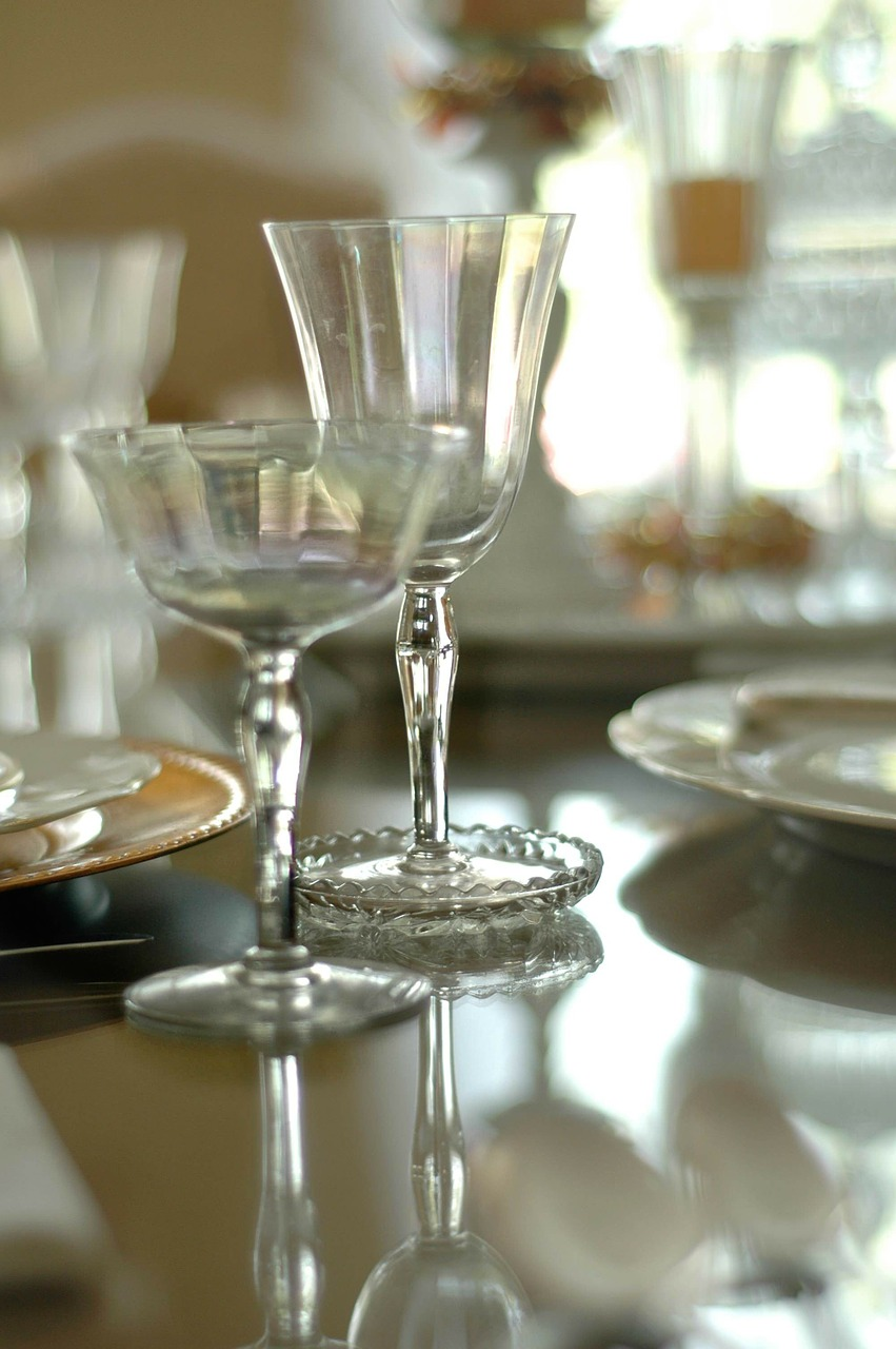 table setting dining room free photo