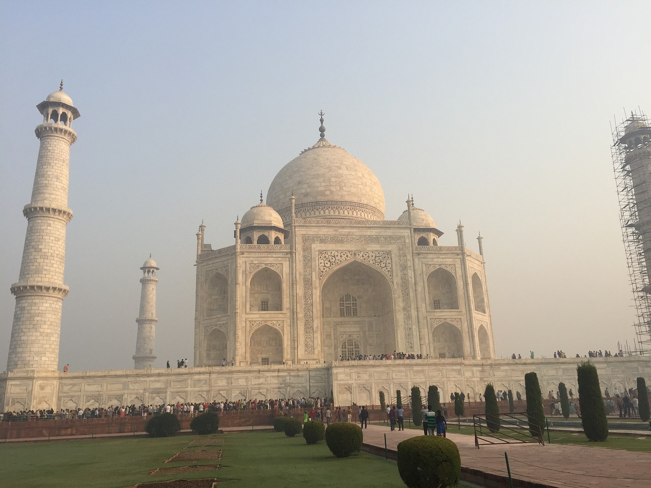 taj mahal,india,asia,taj,mahal,agra,architecture,monument,mausoleum,minaret,marble,tower,vacation,free pictures, free photos, free images, royalty free, free illustrations, public domain