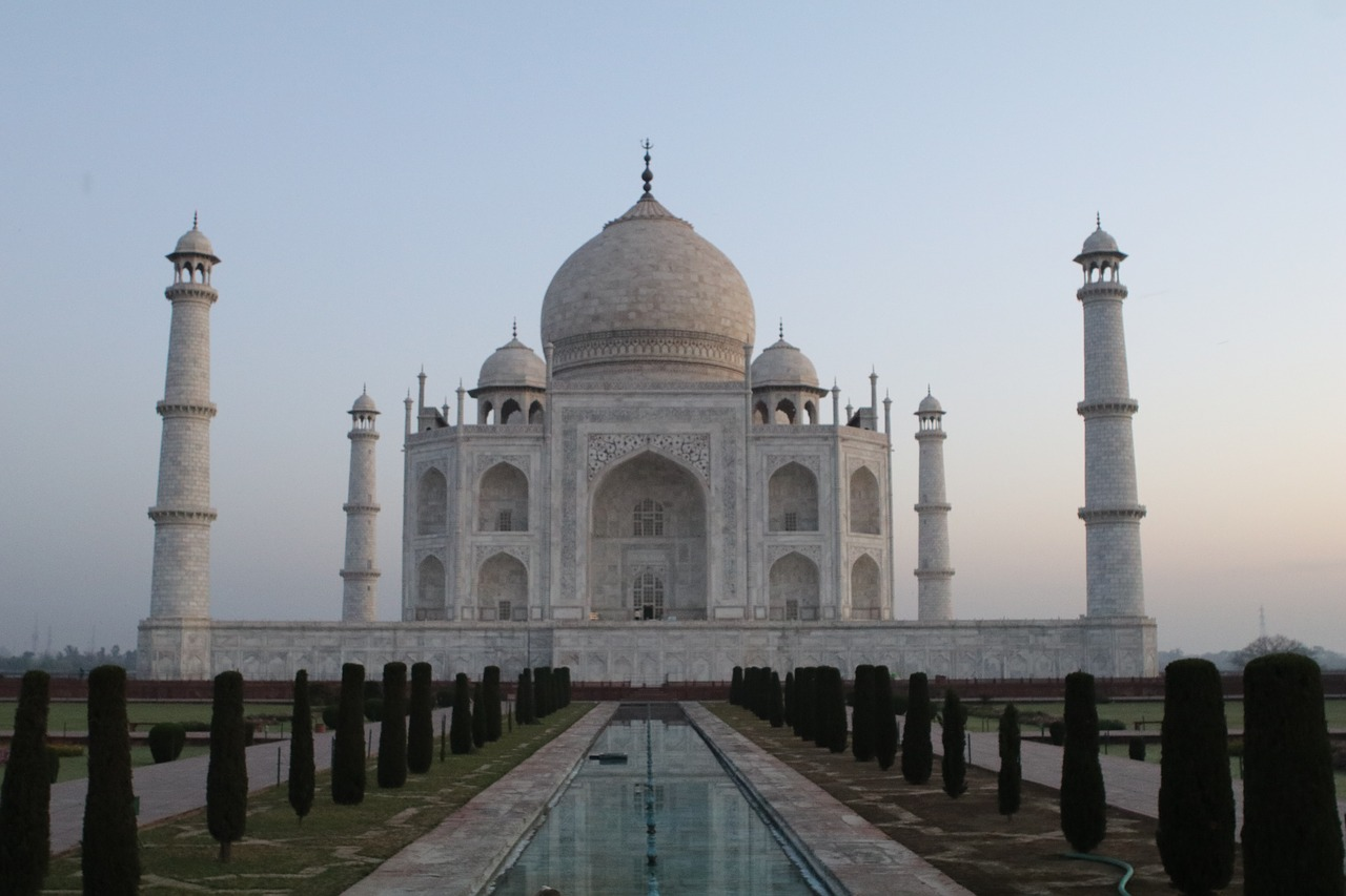 taj mahal  agra  india free photo