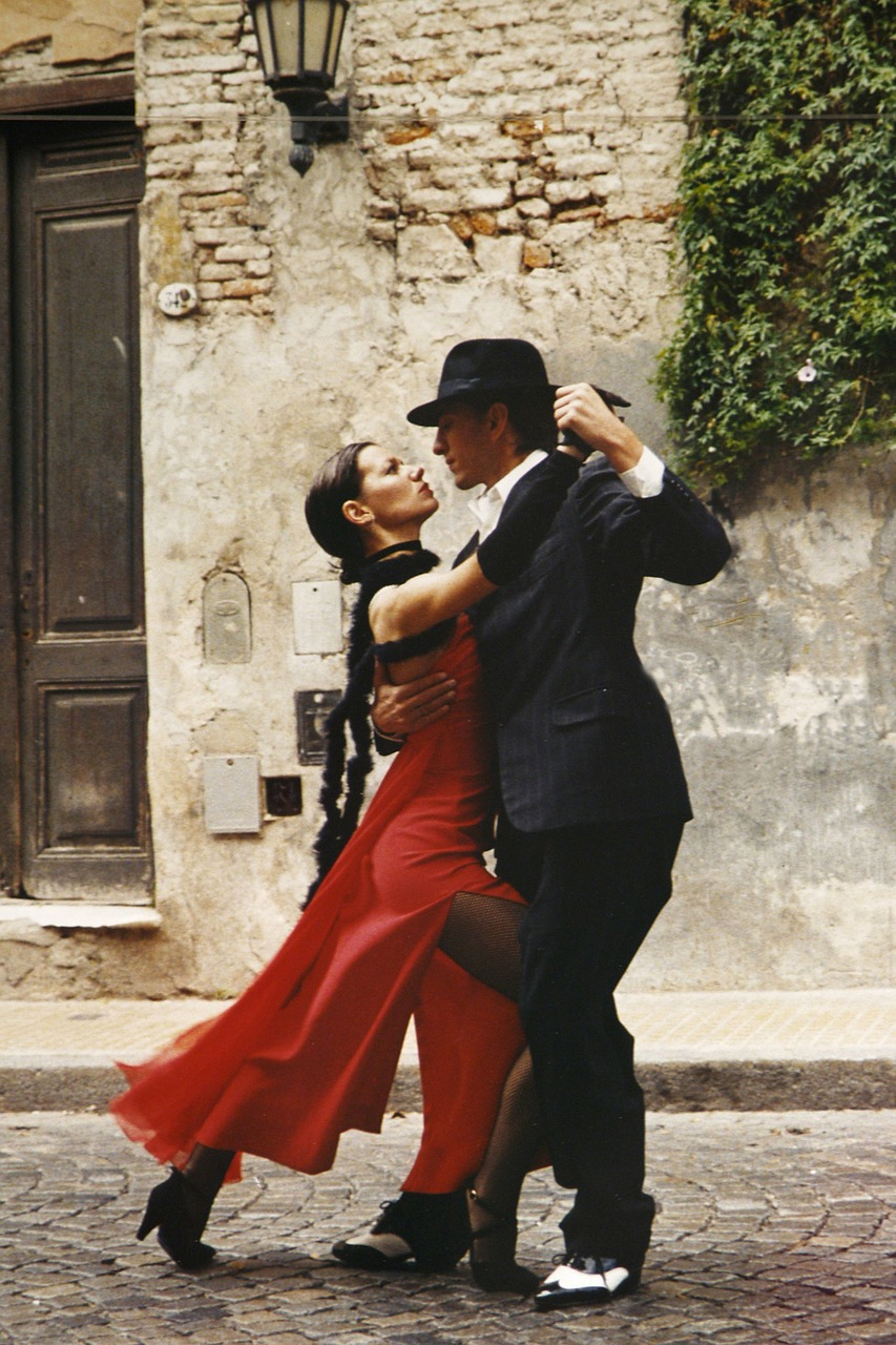 tango dancing couple free photo