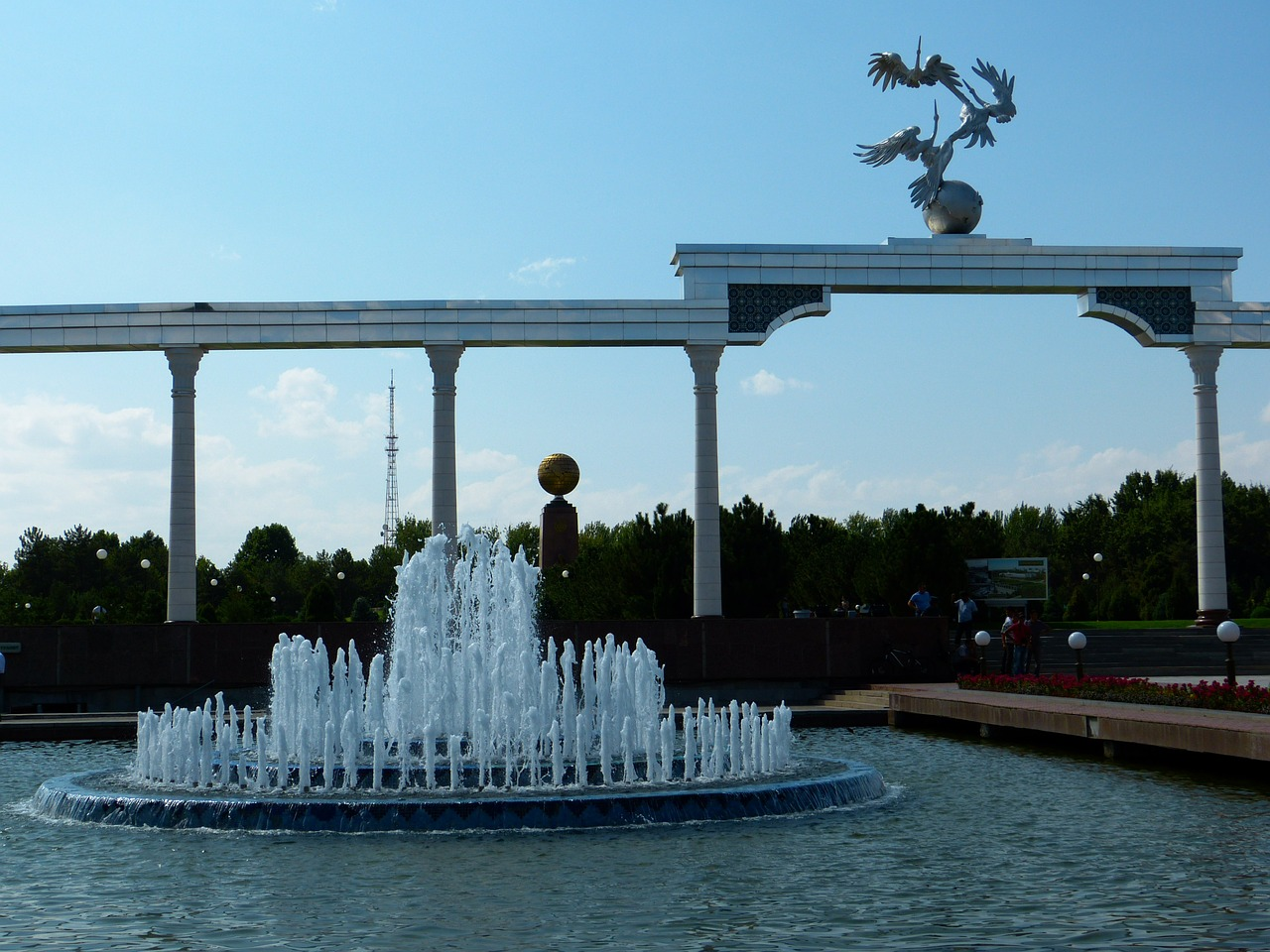tashkent independence square monument free photo