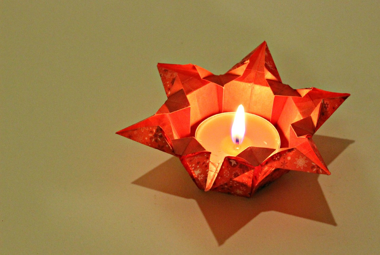 tealight christmas time star out of paper free photo