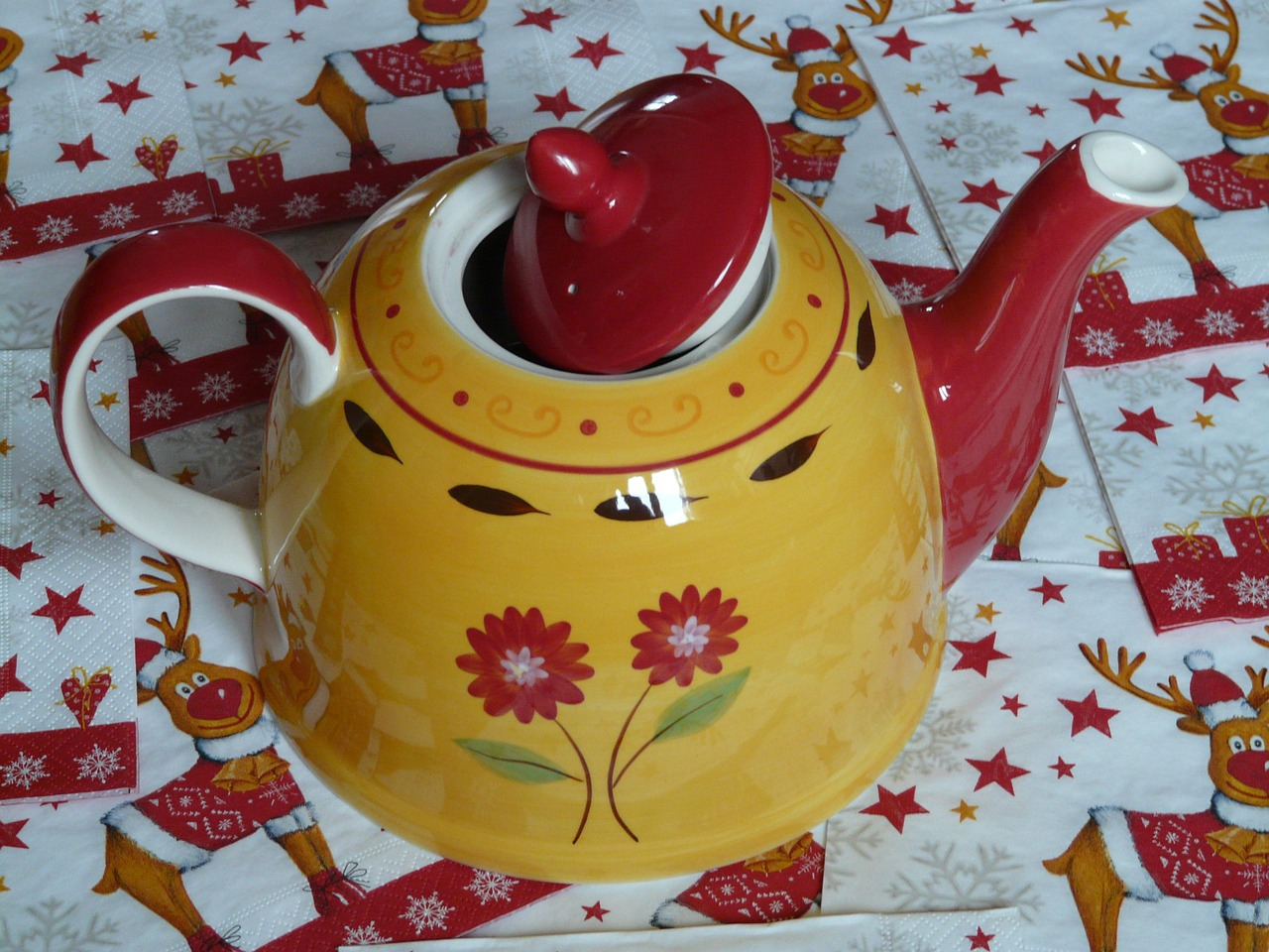teapot floral design flowers free photo