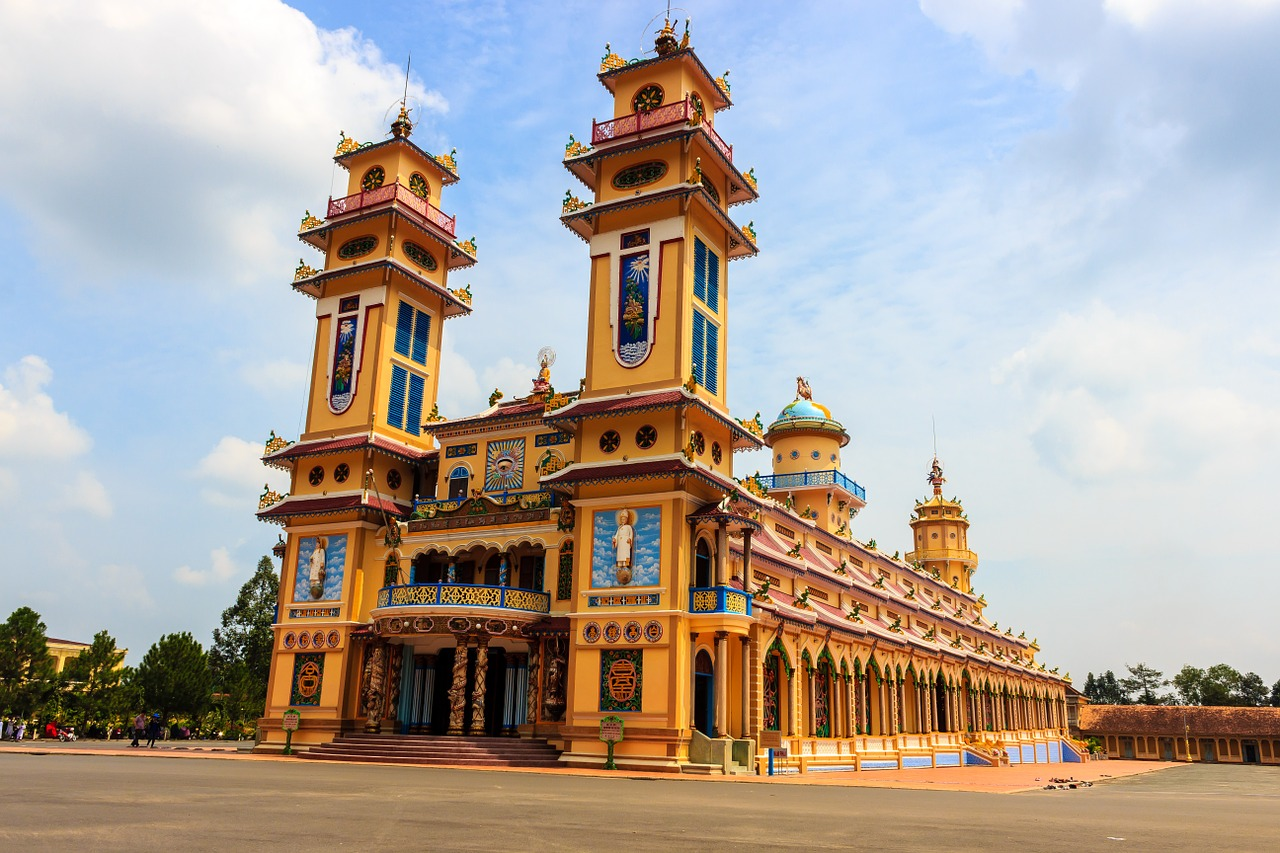 the temple,vietnam,the city,asia,religion,cao dai,the symbol,yellow,the church,the monastery,coloring,those,ornate,special,spirit,pear,fetish,south east,saigon,ho chi minh,western security,free pictures, free photos, free images, royalty free, free illustrations