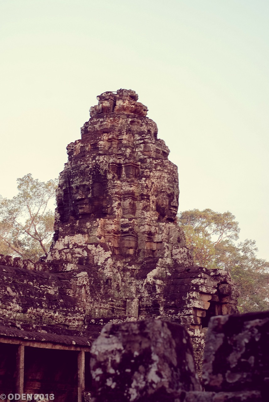 temple,cambodia,siem reap,angkor thom,architecture,religion,stone,historical,free pictures, free photos, free images, royalty free, free illustrations, public domain