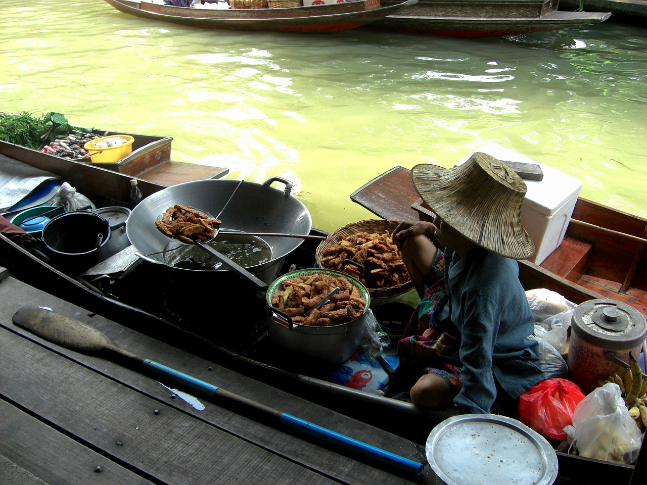 thailand boat woman free photo