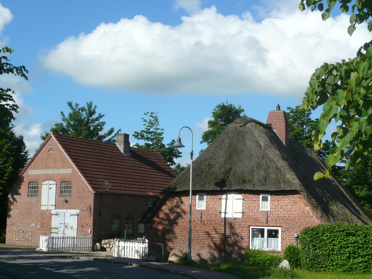 thatched cottage old forge free photo