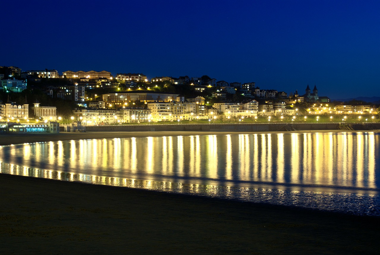 the concha bay san sebastian lights free photo