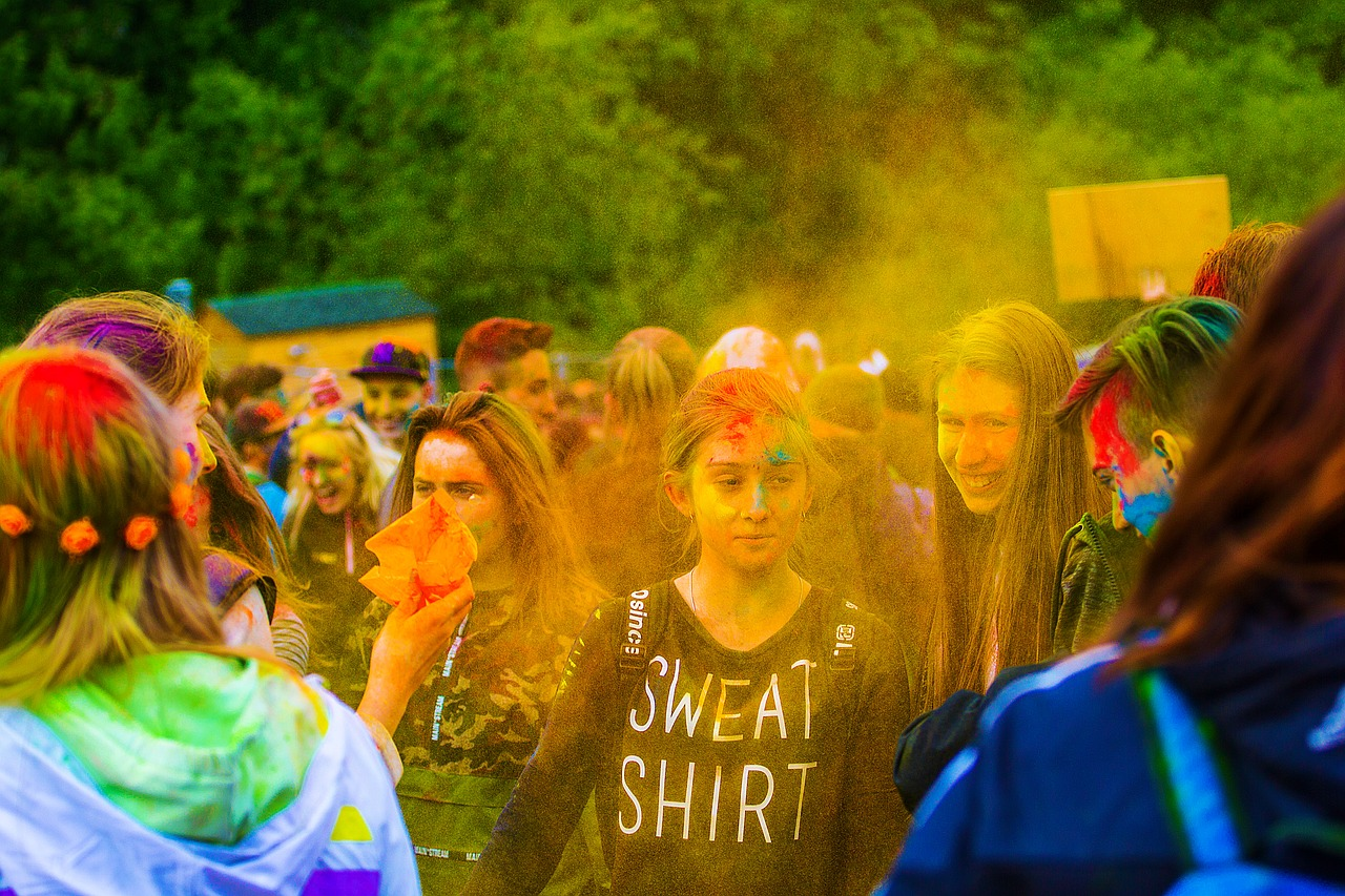 the festival of colors holi moscow free photo
