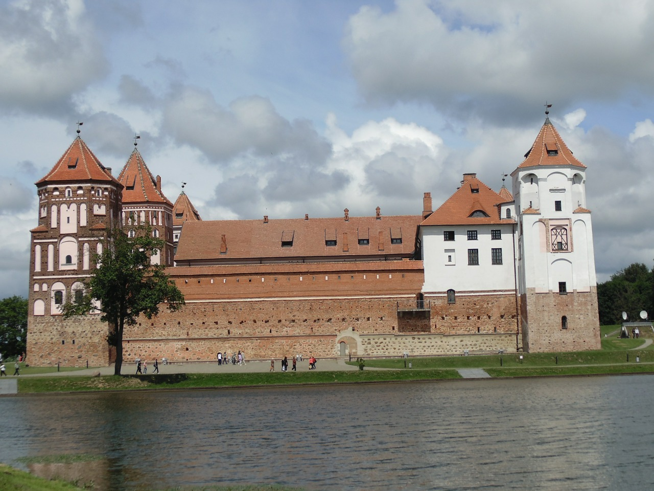 the mir castle,belarus,16 21,free pictures, free photos, free images, royalty free, free illustrations, public domain